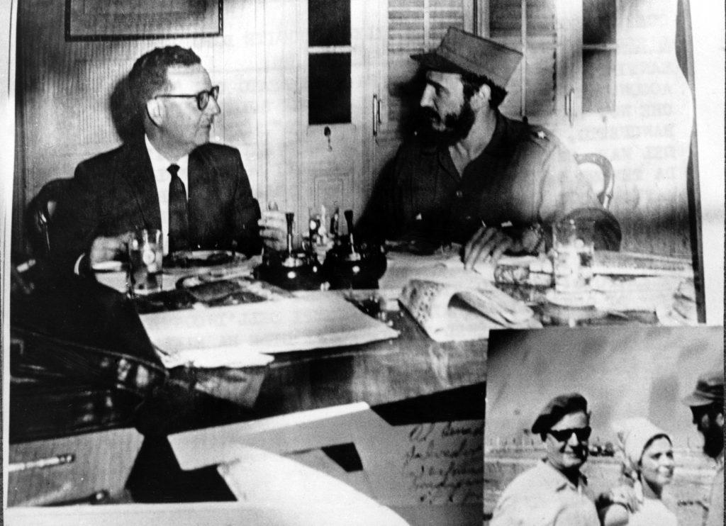 Salvador Allende and Fidel castro (LaPresse)