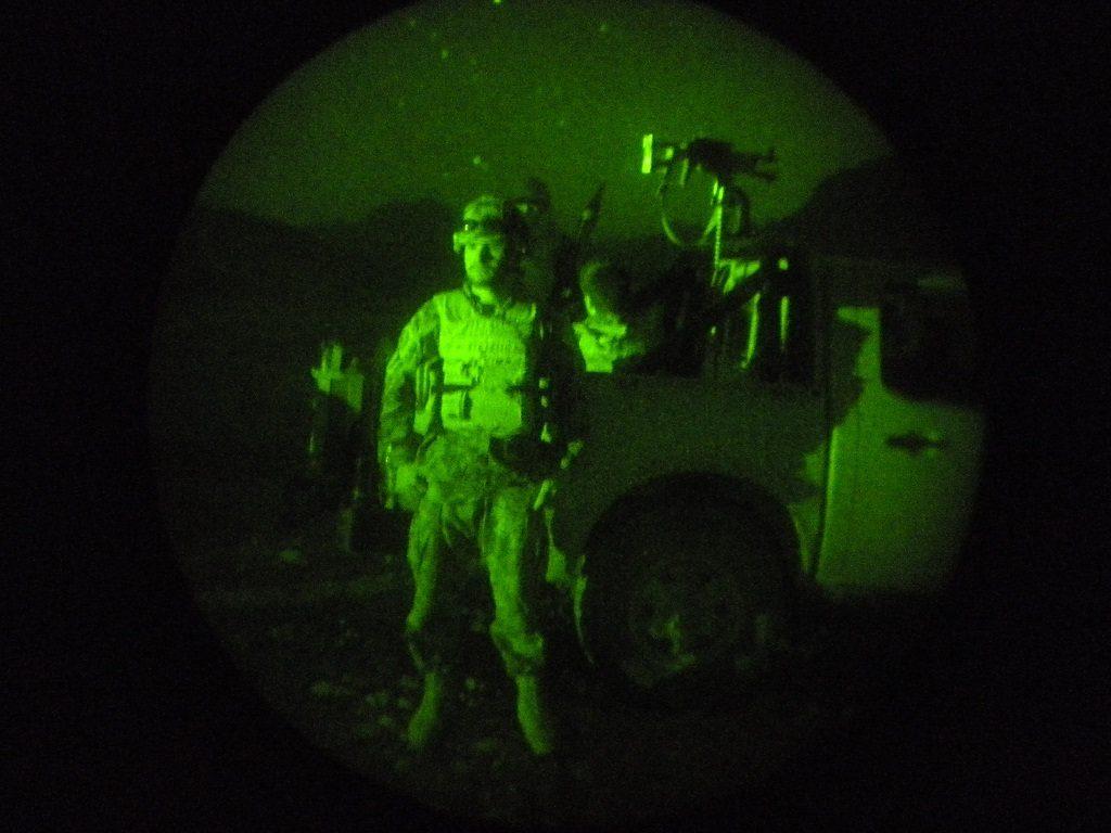 Soldati della Folgore in pattugliamento a Bakwa (LaPresse)