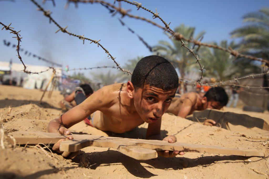 Un campo di addestramento per giovani del Jihad islamico (LaPresse)