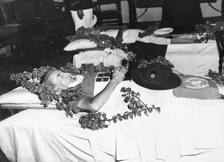 Il corpo di Folke Bernadotte, dopo esser stato ucciso il 17 settembre 1948 (LaPresse)
