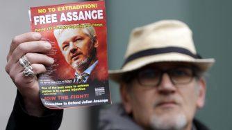 Wikileaks, Londra si mobilita per Assange