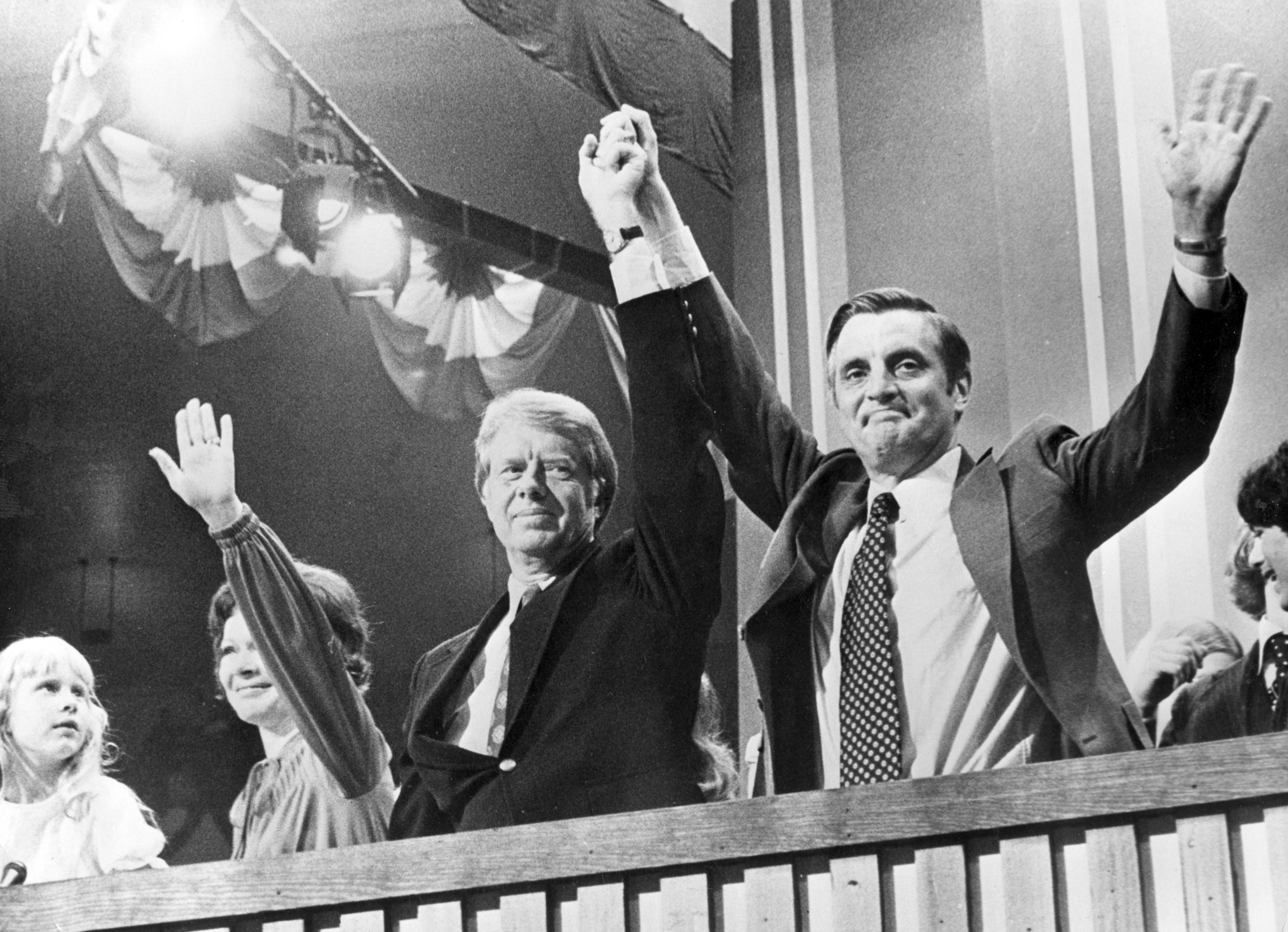 Jimmy Carter e Walter Mondale, a destra (LaPresse)
