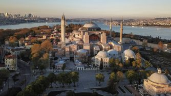 Istanbul, Erdogan vuole cambiare lo status di Hagia Sophia da museo a moschea