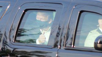 Usa, Donald Trump esce dall'ospedale di Bethesda e saluta i suoi sostenitori (La Presse)