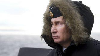 Russia, Vladimir Putin osserva l'addestramento dell'esercito della marina militare russa