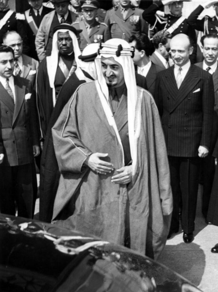 Re Faysal dell'Arabia Saudita a Milano nel 1952